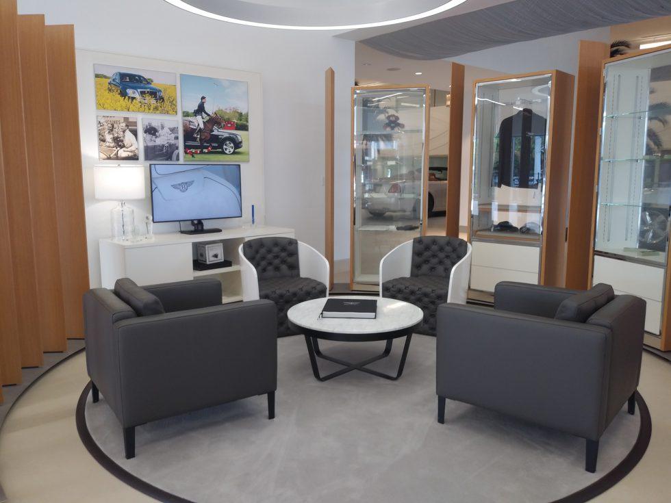 Holman Bentley seating area_72